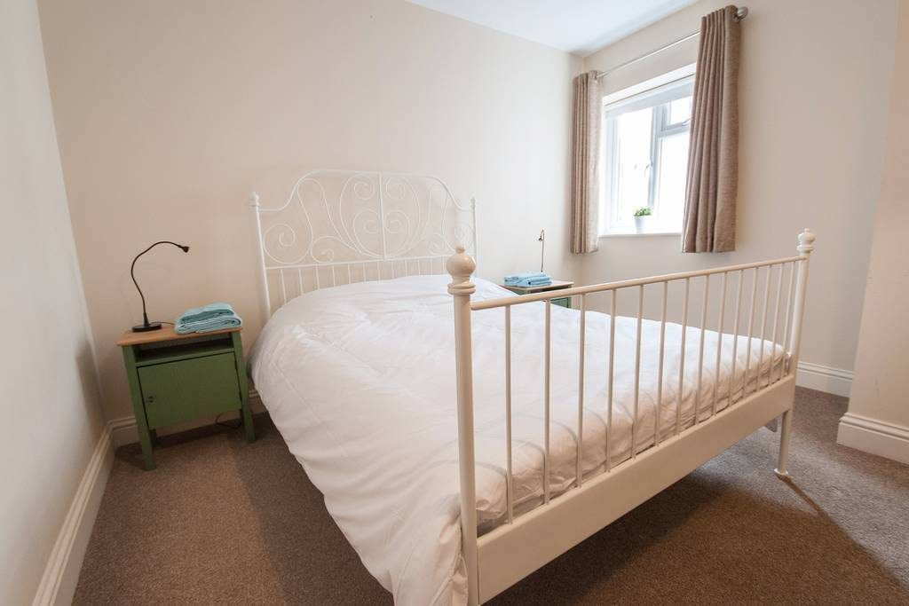 image 8 furnished 3 bedroom Apartment for rent in Clifton East, Bristol