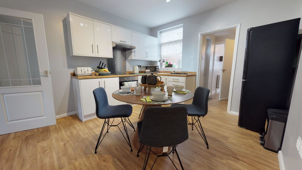 image 1 furnished 2 bedroom Apartment for rent in Peterborough, Cambridgeshire