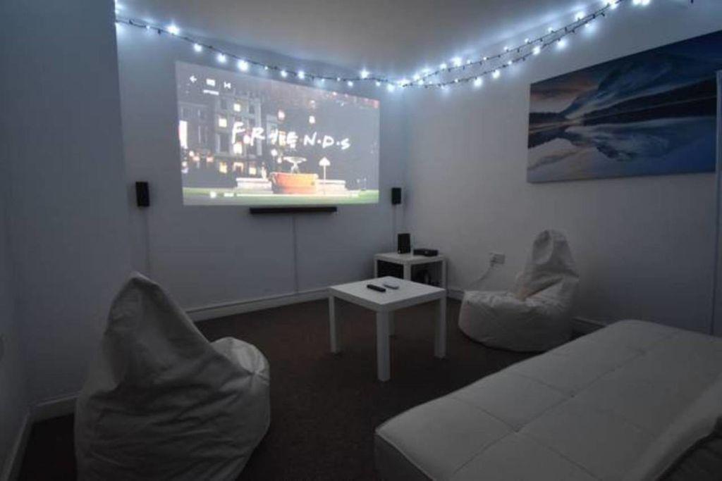 image 10 furnished 4 bedroom Apartment for rent in Sydenham, Belfast City