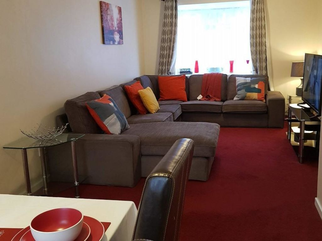 image 8 furnished 4 bedroom Apartment for rent in Luton, Bedfordshire