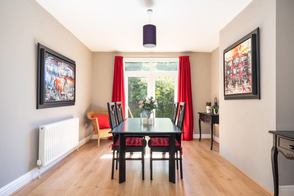 image 2 furnished 2 bedroom Apartment for rent in Clifton, Bristol