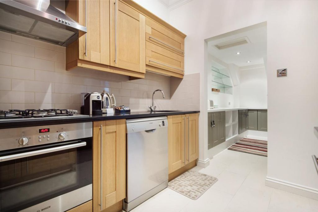image 8 furnished 3 bedroom Apartment for rent in Fulham, Hammersmith Fulham