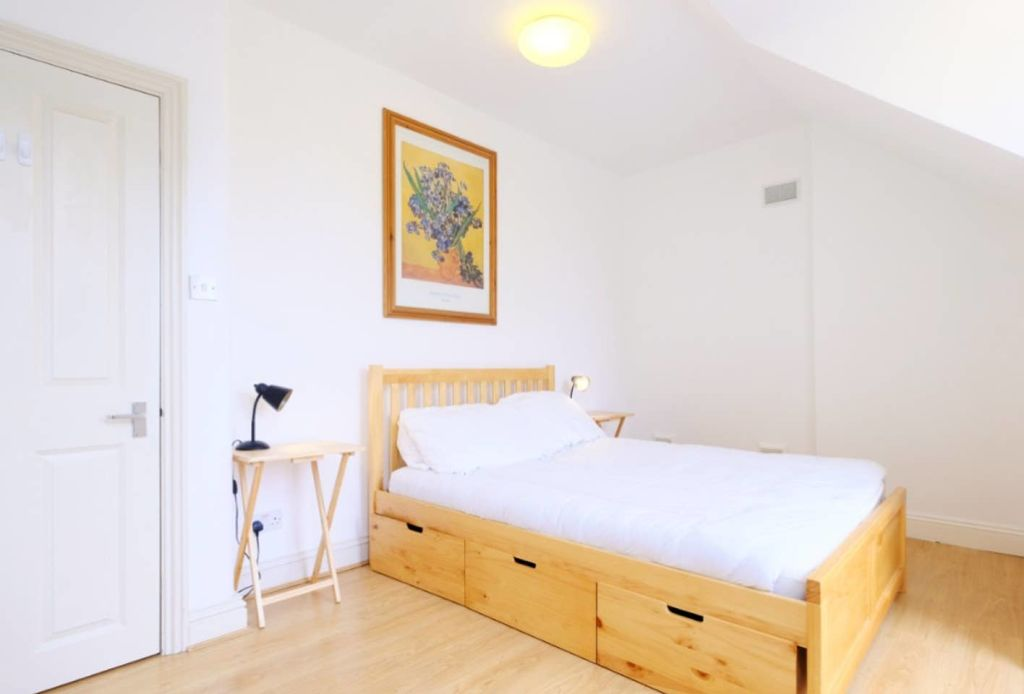 image 5 furnished 1 bedroom Apartment for rent in Hanger Hill, Ealing