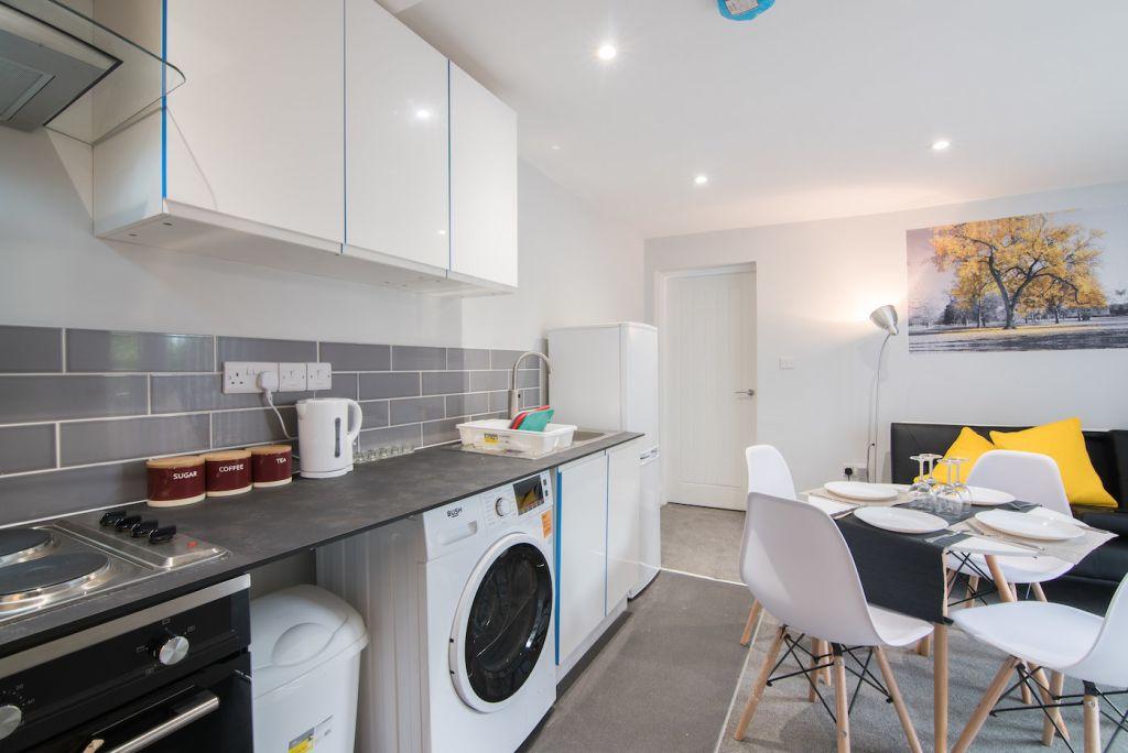 image 3 furnished 2 bedroom Apartment for rent in Derby, Derbyshire
