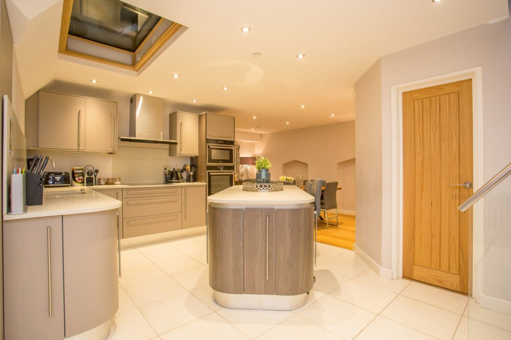 image 6 furnished 5 bedroom Apartment for rent in Westminster, City of Westminster
