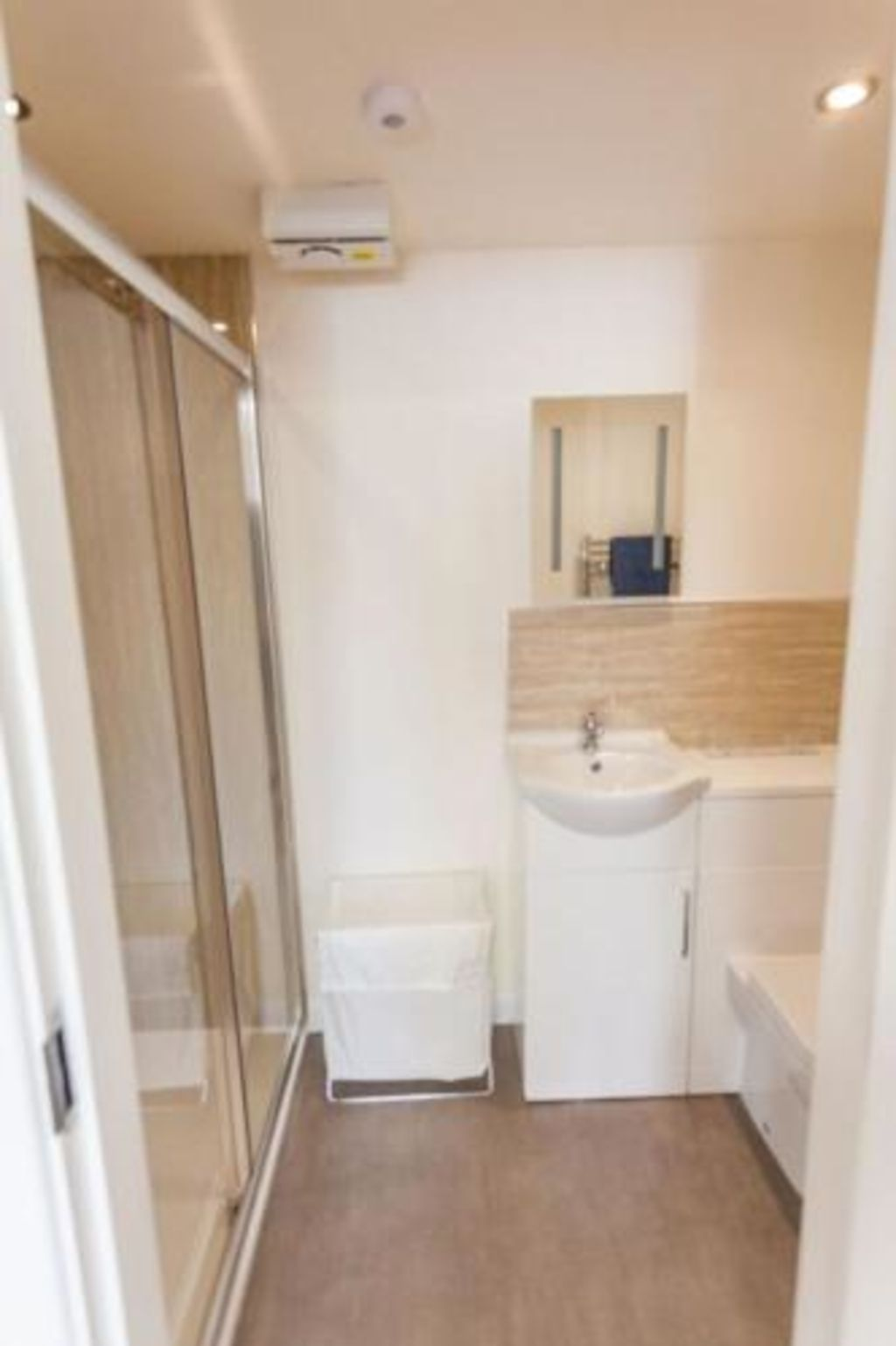 image 4 furnished 2 bedroom Apartment for rent in Kingston upon Hull, East Riding