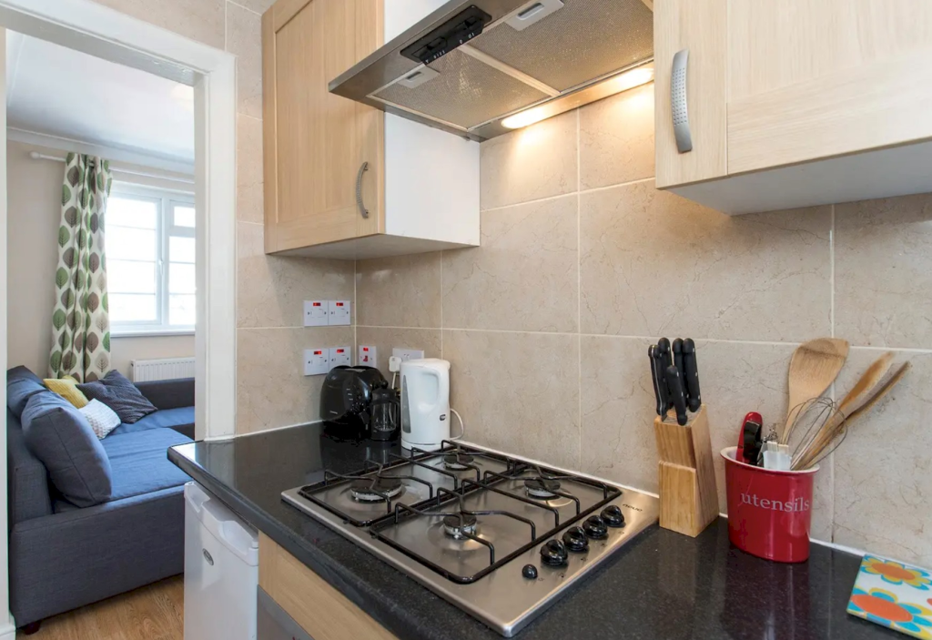 image 6 furnished 1 bedroom Apartment for rent in Little Venice, City of Westminster