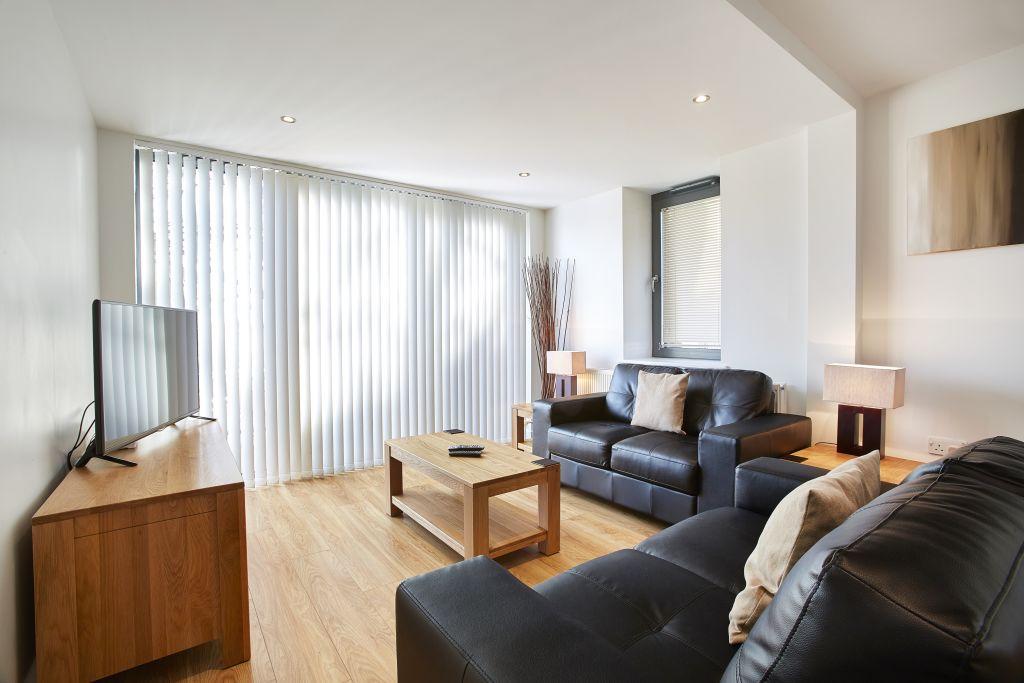 image 2 furnished 1 bedroom Apartment for rent in Spelthorne, Surrey
