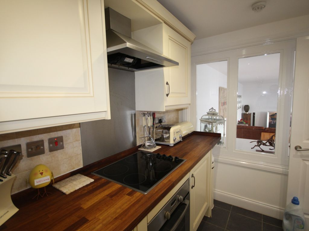image 4 furnished 2 bedroom Apartment for rent in St Albans, Hertfordshire