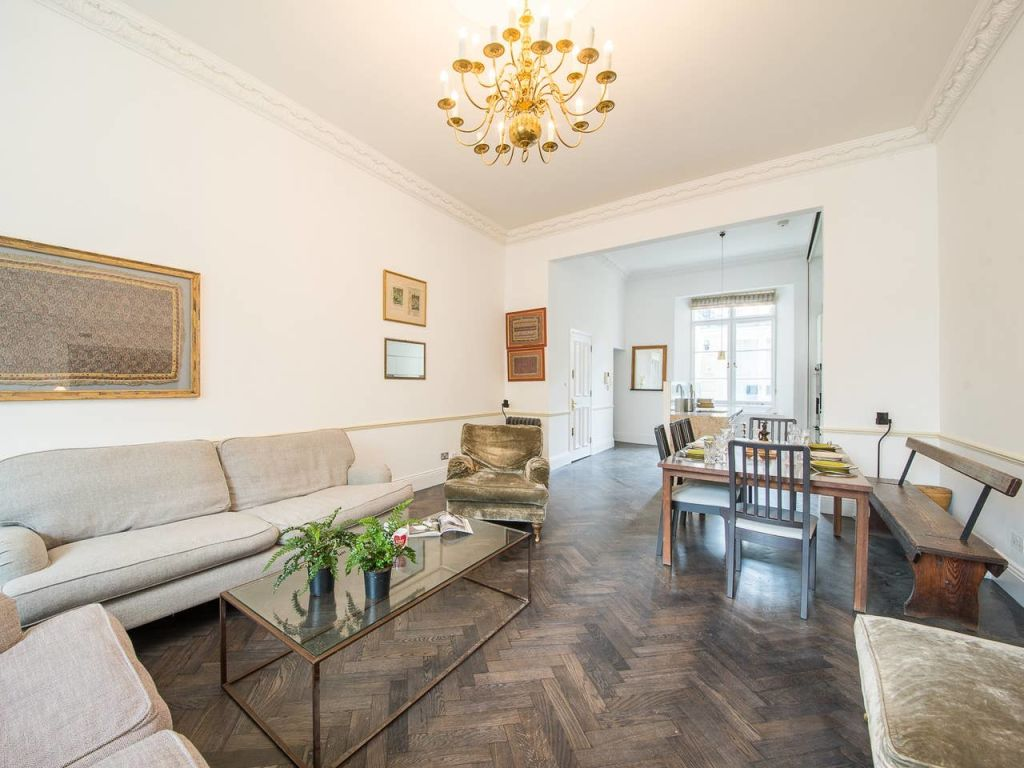 image 1 furnished 3 bedroom Apartment for rent in Enfield Town, Enfield