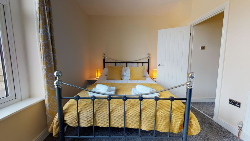 image 6 furnished 3 bedroom Apartment for rent in Bradford, West Yorkshire