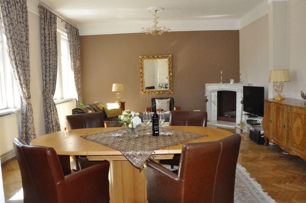 image 4 furnished 3 bedroom Apartment for rent in Josefstadt, Vienna