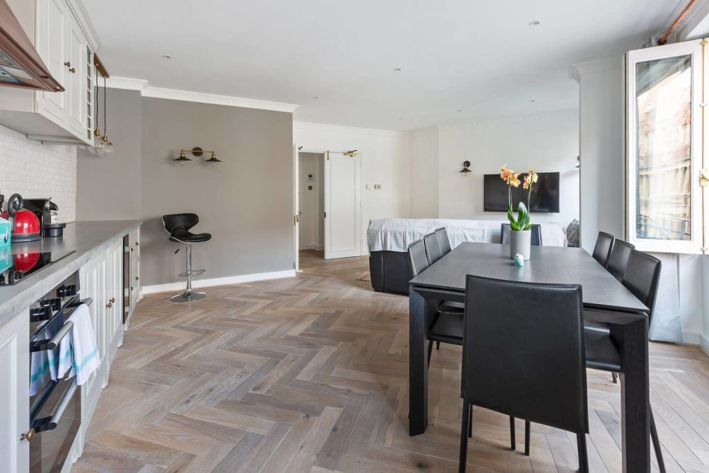 image 9 furnished 2 bedroom Apartment for rent in Spitalfields, Tower Hamlets