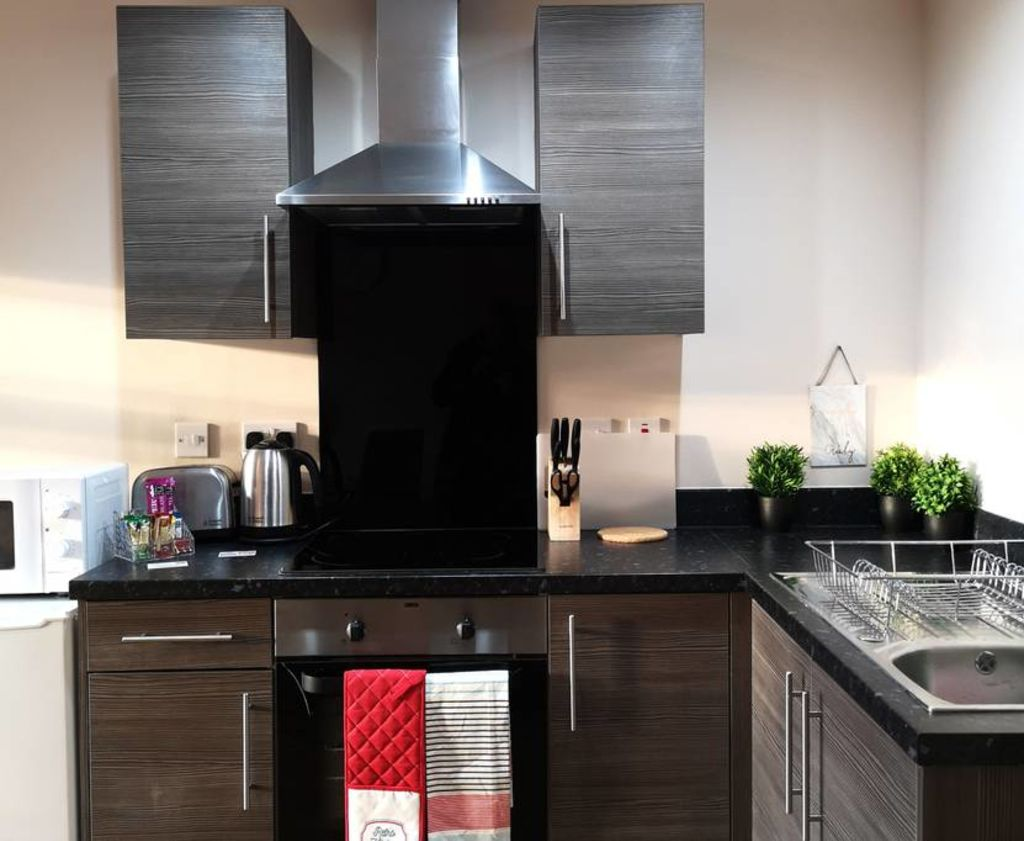 image 2 furnished 1 bedroom Apartment for rent in Trafford, Greater Manchester