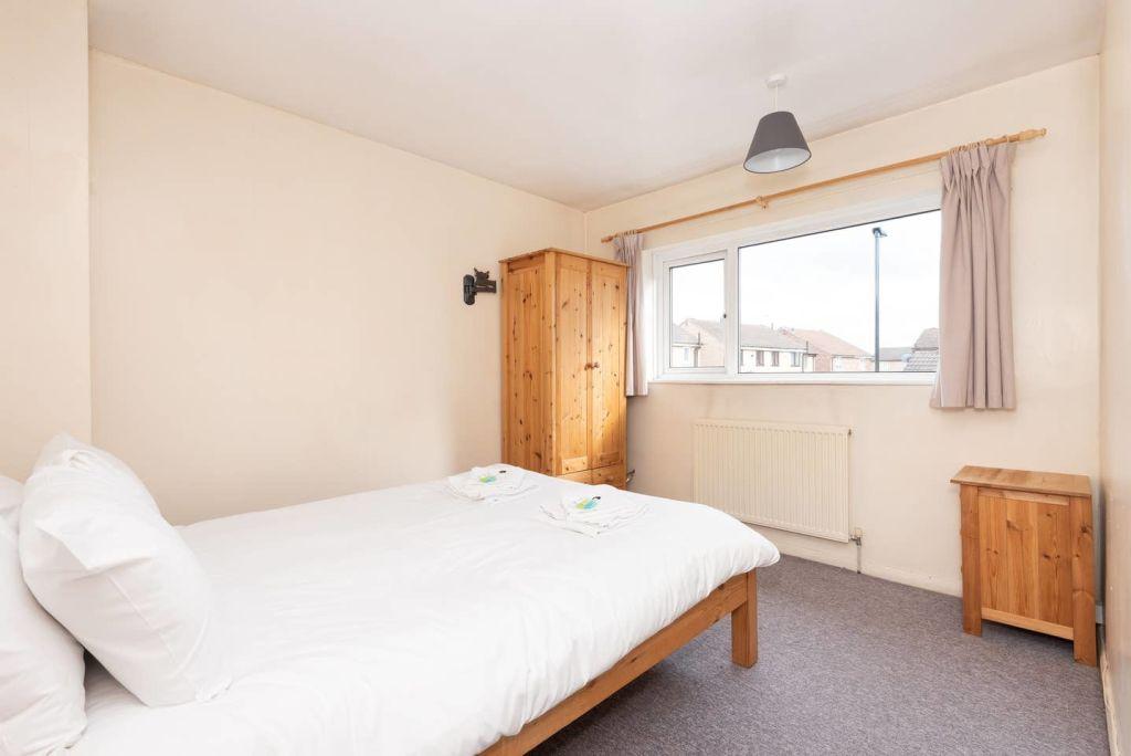 image 10 furnished 3 bedroom Apartment for rent in Leeds, West Yorkshire