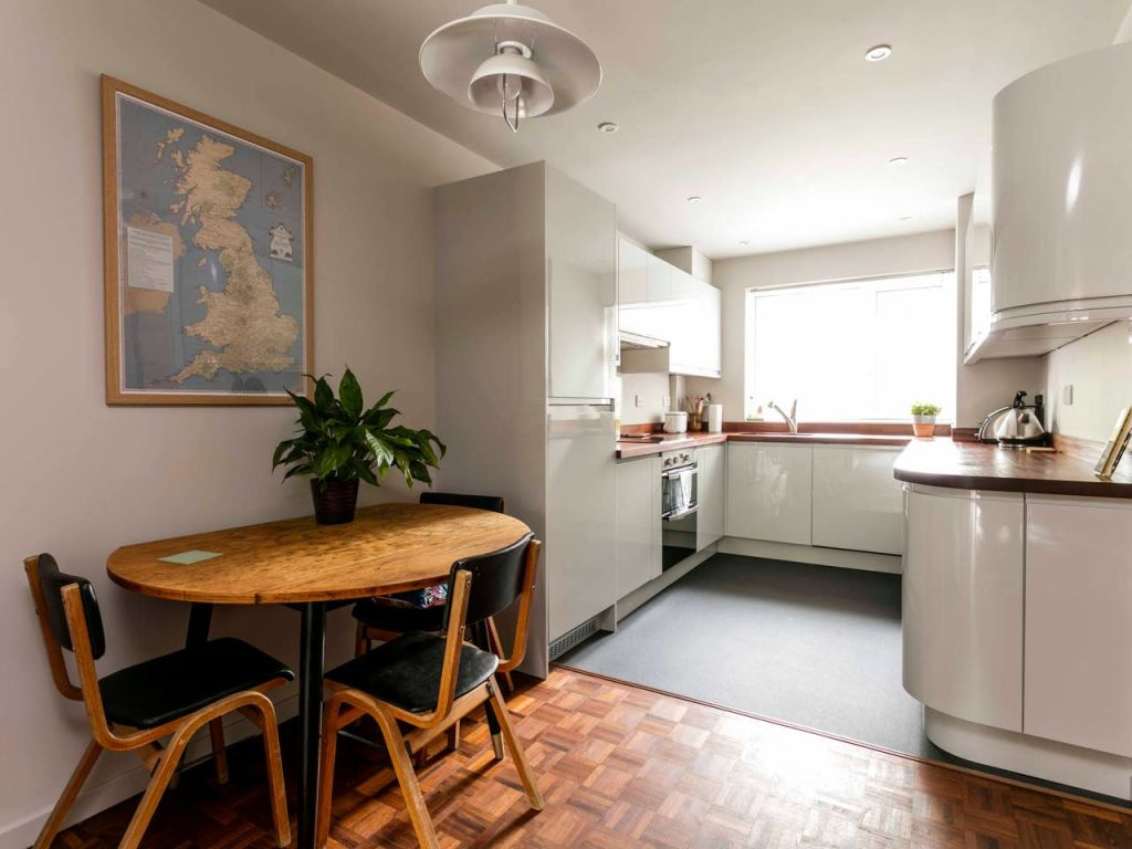 image 9 furnished 2 bedroom Apartment for rent in Cambridge, Cambridgeshire
