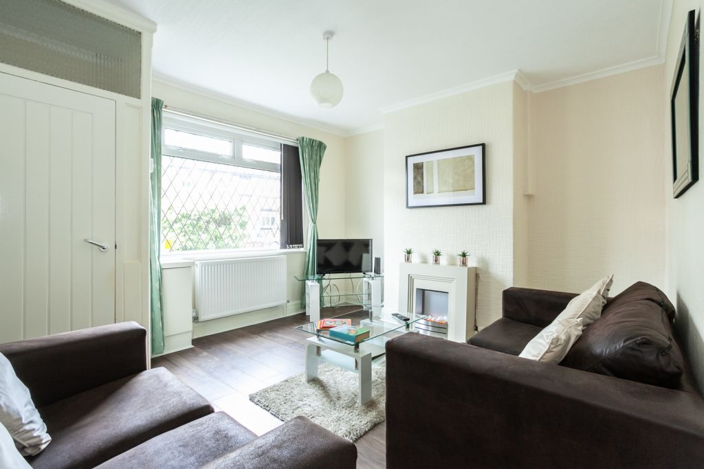 image 1 furnished 2 bedroom Apartment for rent in Tameside, Greater Manchester