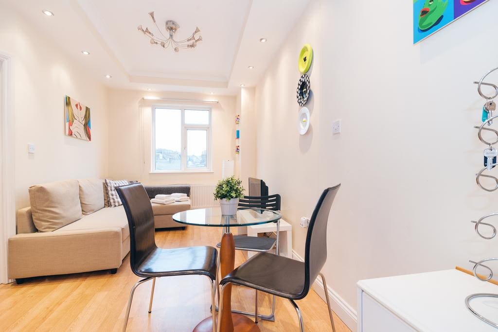 image 2 furnished 1 bedroom Apartment for rent in Finsbury, Islington