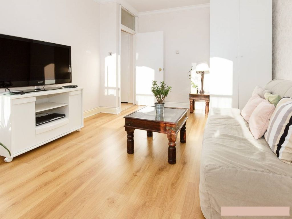 image 2 furnished 1 bedroom Apartment for rent in Hammersmith, Hammersmith Fulham
