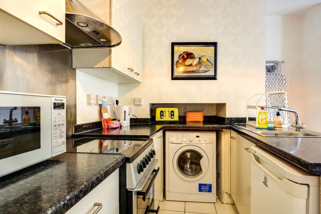 image 9 furnished 2 bedroom Apartment for rent in Hackney Downs, Hackney