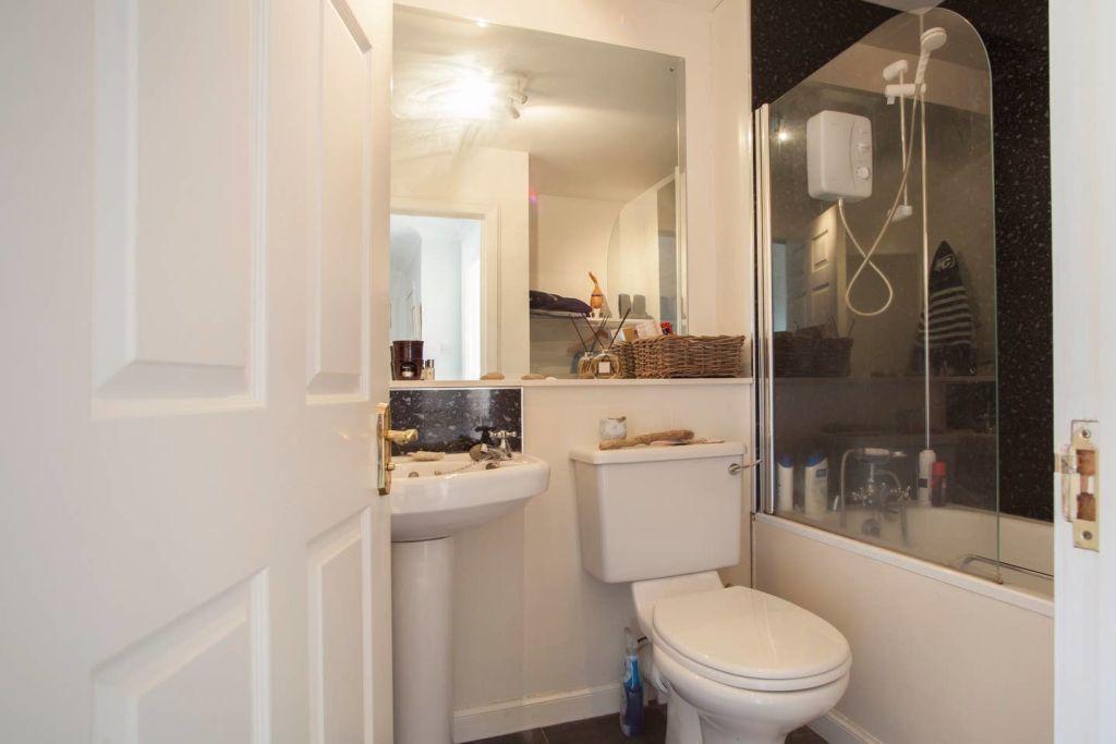 image 10 furnished 2 bedroom Apartment for rent in Edinburgh, Scotland