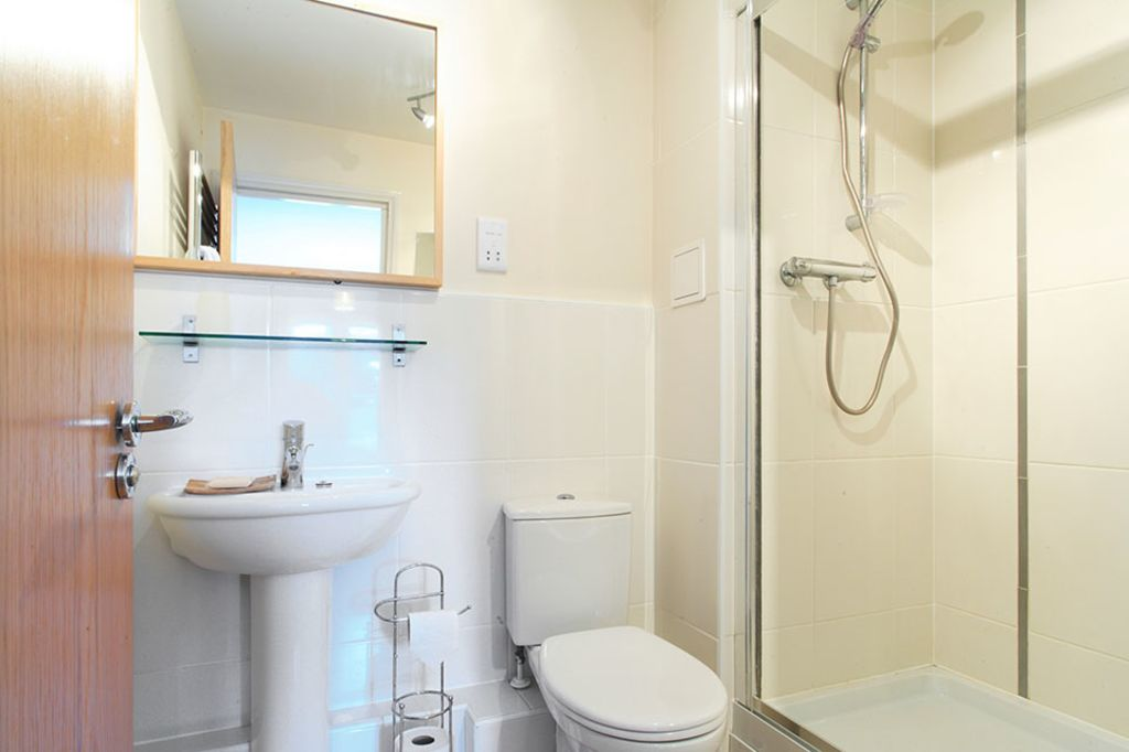 image 10 furnished 2 bedroom Apartment for rent in Dacorum, Hertfordshire