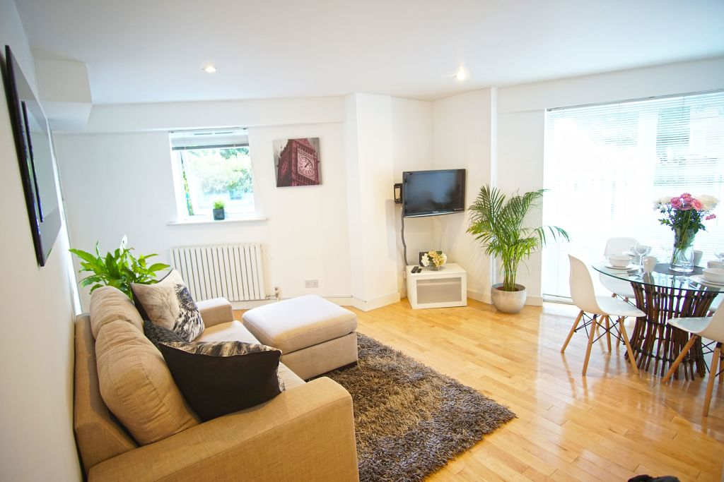 image 1 furnished 2 bedroom Apartment for rent in Poplar, Tower Hamlets