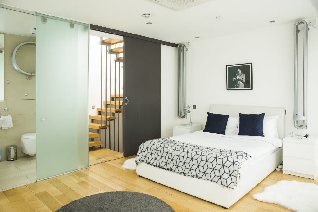 image 9 furnished 3 bedroom Apartment for rent in Covent Garden, City of Westminster