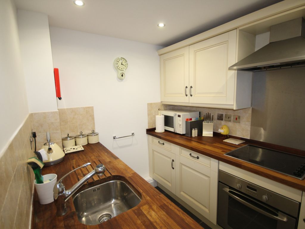 image 6 furnished 2 bedroom Apartment for rent in St Albans, Hertfordshire