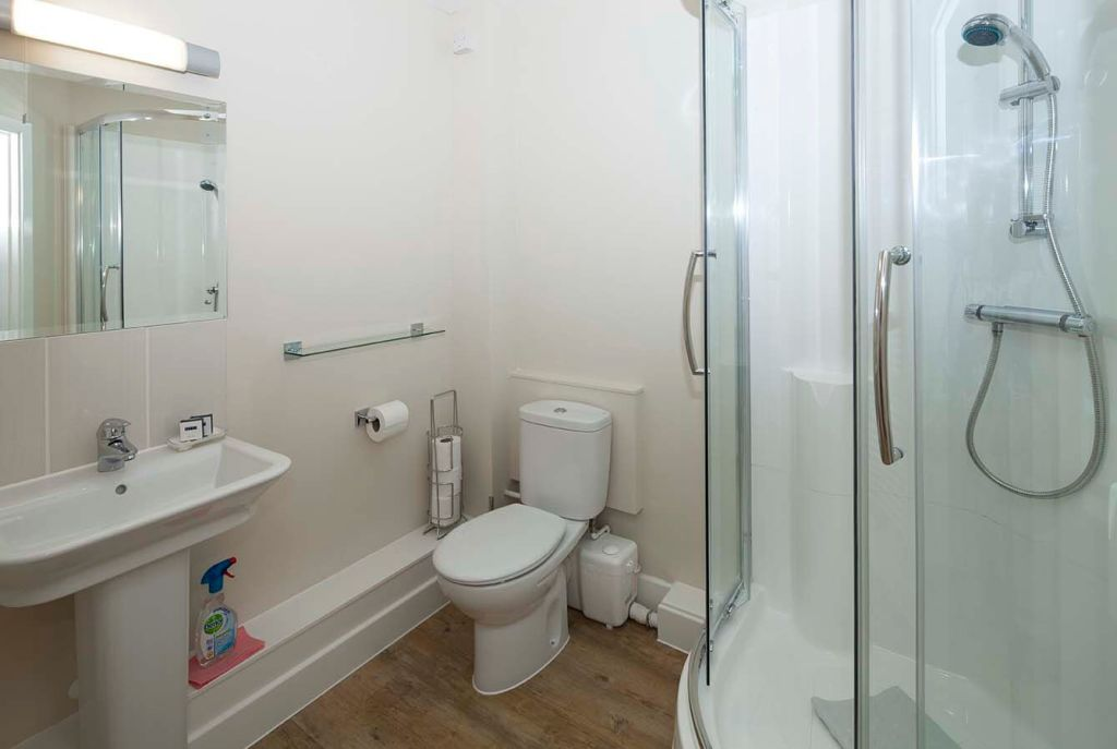 image 2 furnished 1 bedroom Apartment for rent in Surrey Heath, Surrey