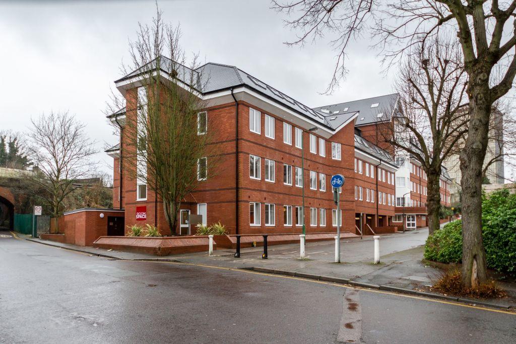 Sutton Court Road