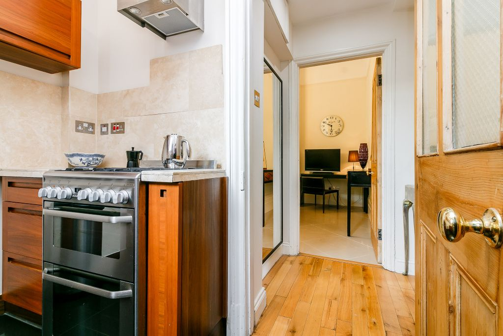 image 10 furnished 2 bedroom Apartment for rent in Lambeth, Lambeth