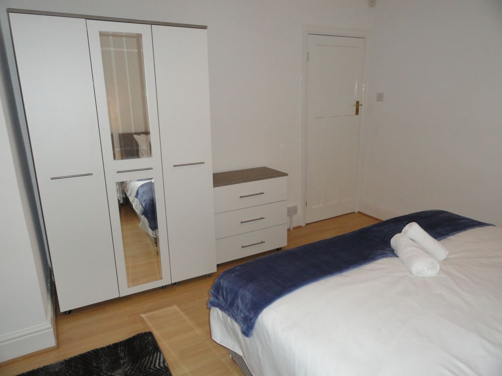 image 9 furnished 4 bedroom Apartment for rent in South Gloucestershire, Gloucestershire