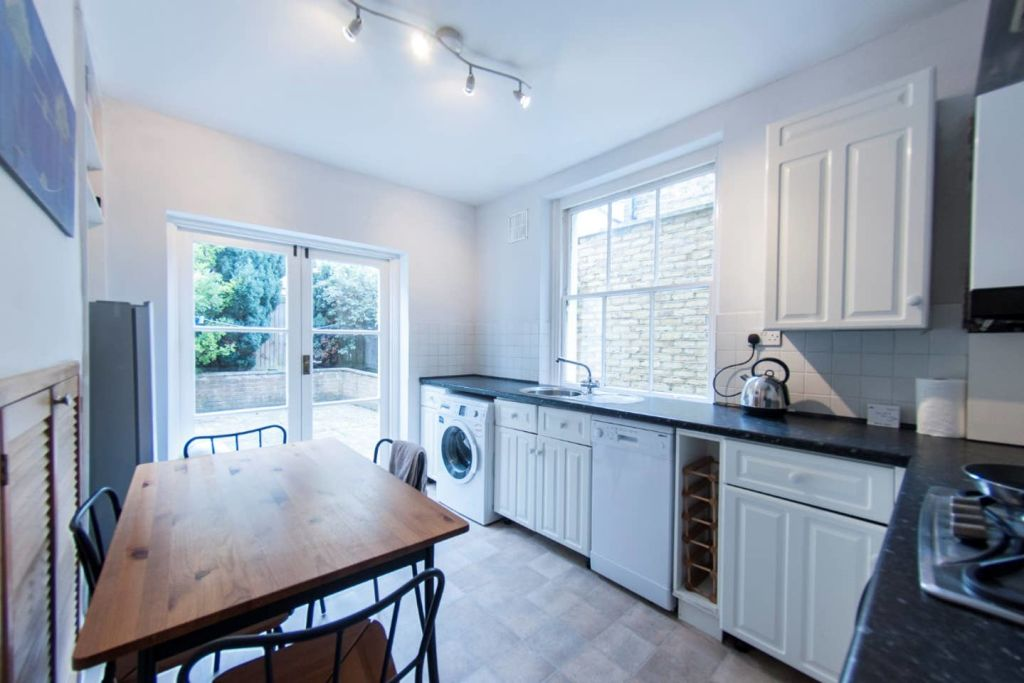 image 1 furnished 1 bedroom Apartment for rent in Wandsworth, Wandsworth