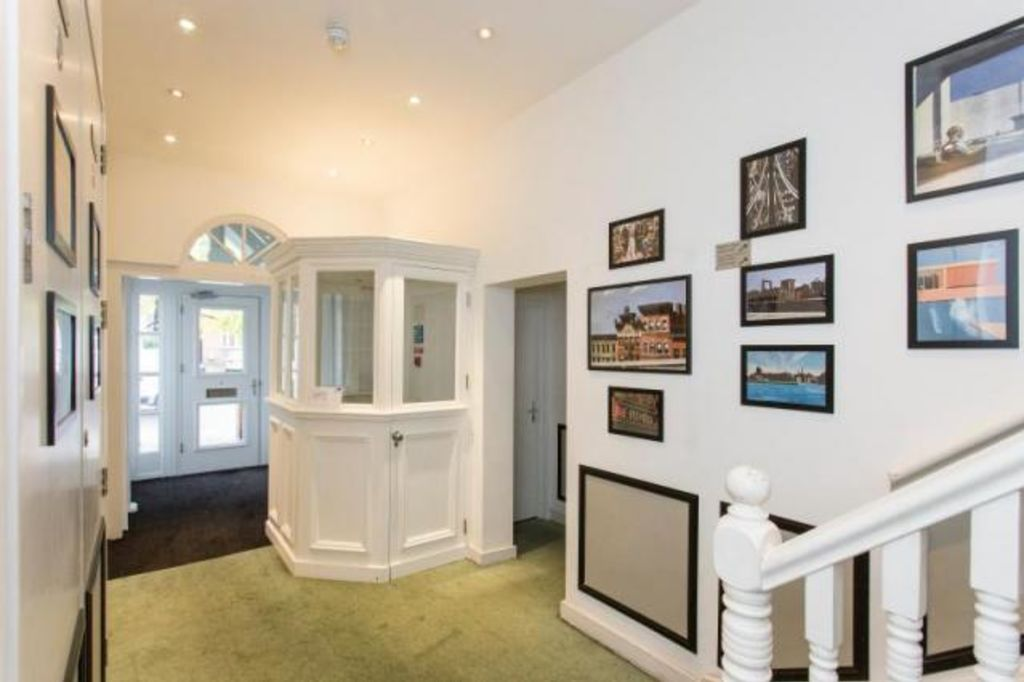 image 3 furnished 1 bedroom Apartment for rent in Chalk Farm, Camden