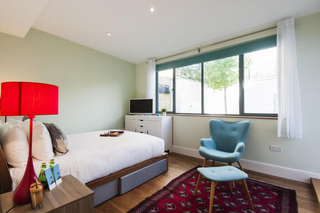 image 3 furnished 3 bedroom Apartment for rent in Fulham, Hammersmith Fulham
