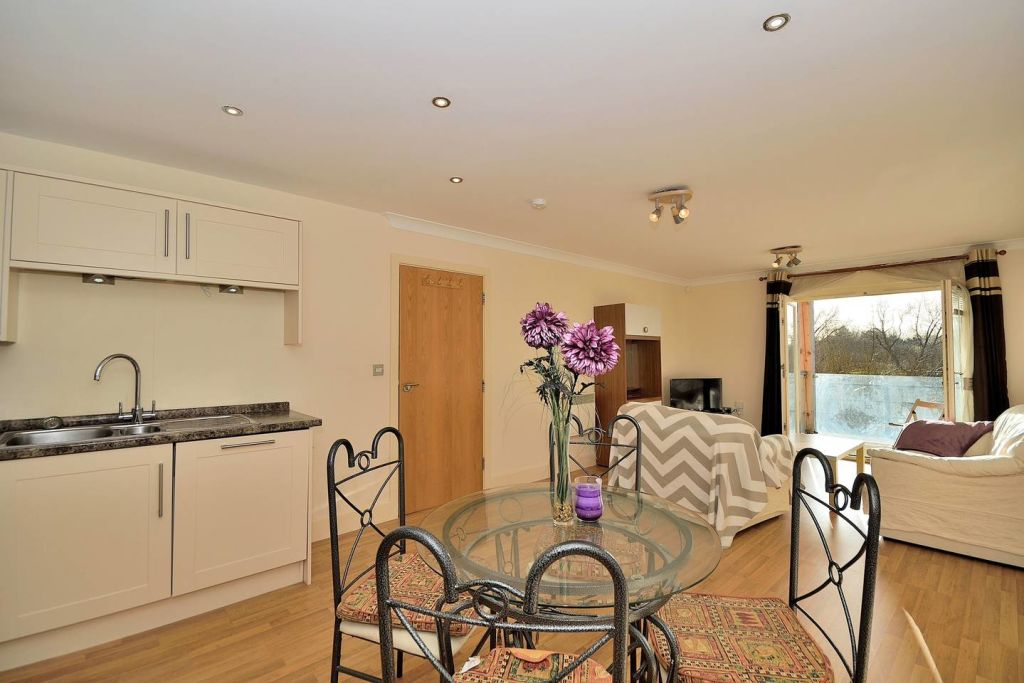 image 1 furnished 2 bedroom Apartment for rent in Chester, Cheshire
