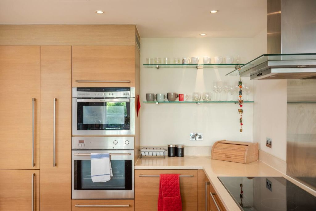 image 8 furnished 2 bedroom Apartment for rent in Vauxhall, Lambeth