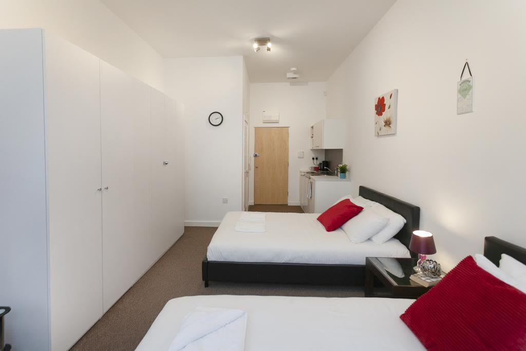 image 2 furnished 1 bedroom Apartment for rent in Sefton, Merseyside