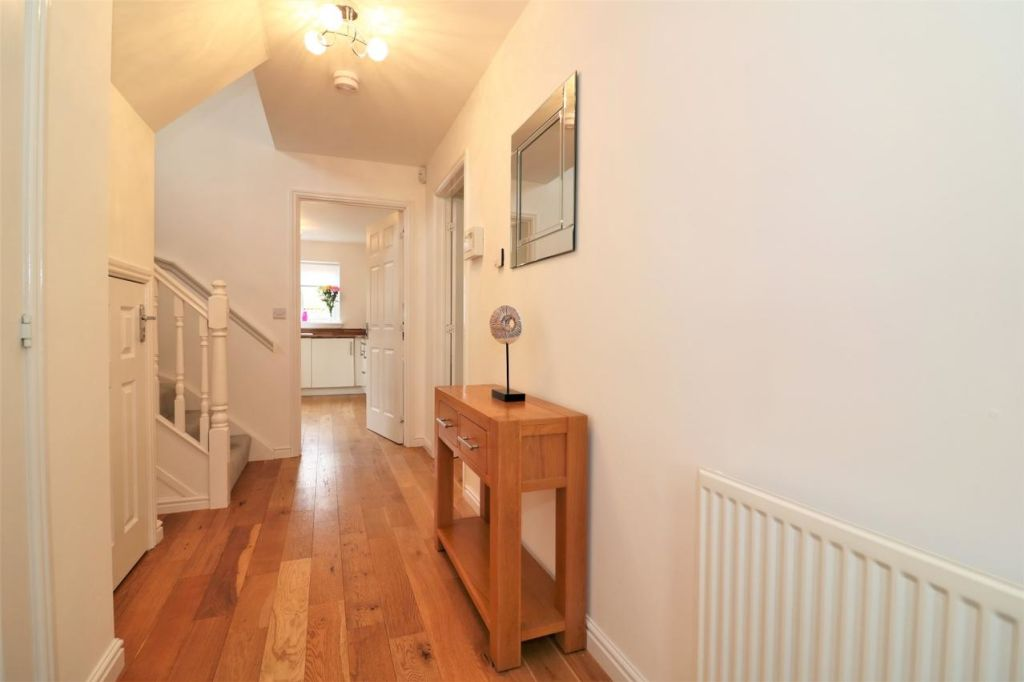 image 4 furnished 4 bedroom Apartment for rent in Glasgow, Scotland
