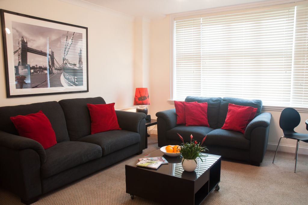 image 2 furnished 3 bedroom Apartment for rent in Windsor and Maidenhead, Berkshire