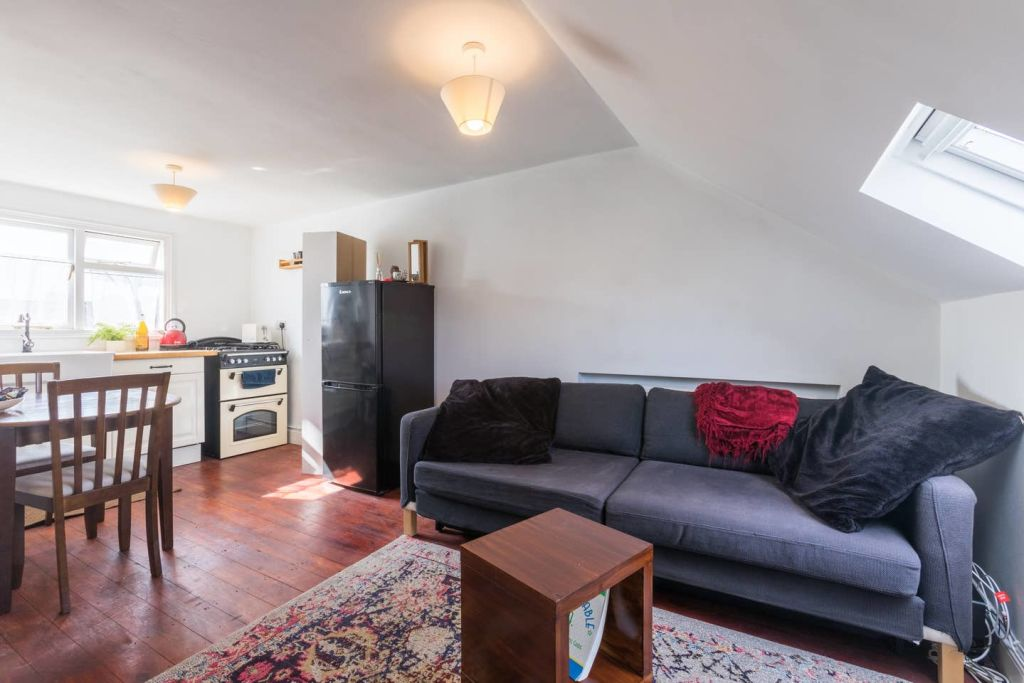 image 1 furnished 1 bedroom Apartment for rent in Harringay, Haringey