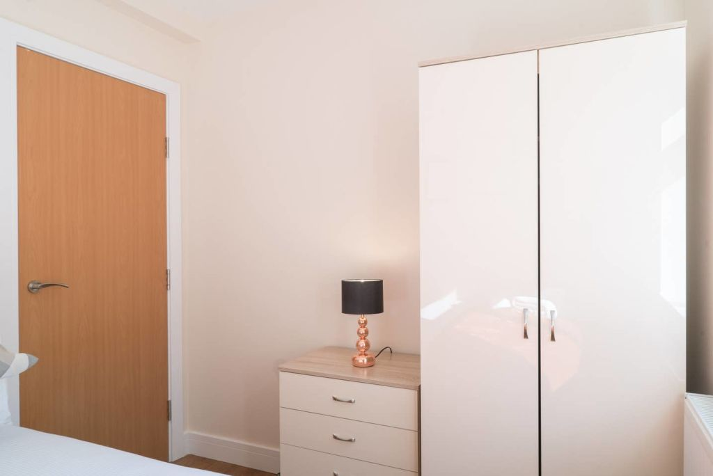 image 9 furnished 2 bedroom Apartment for rent in Ealing, Ealing