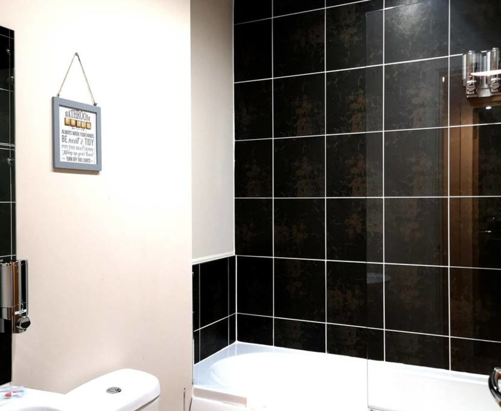 image 7 furnished 1 bedroom Apartment for rent in Longford, Hillingdon