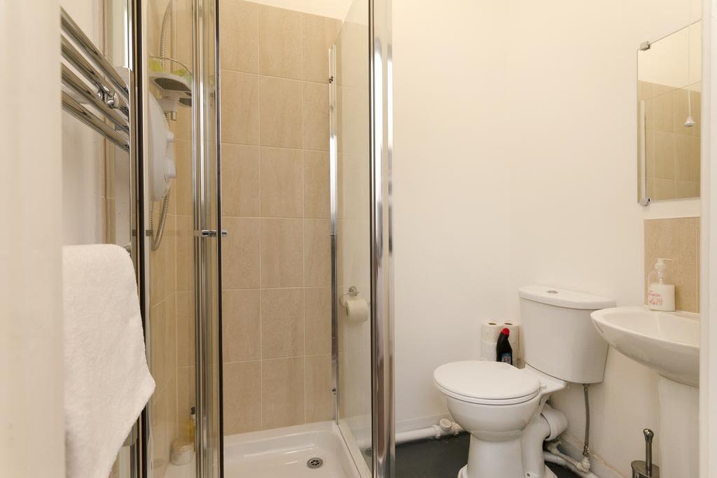 image 3 furnished 1 bedroom Apartment for rent in Sefton, Merseyside