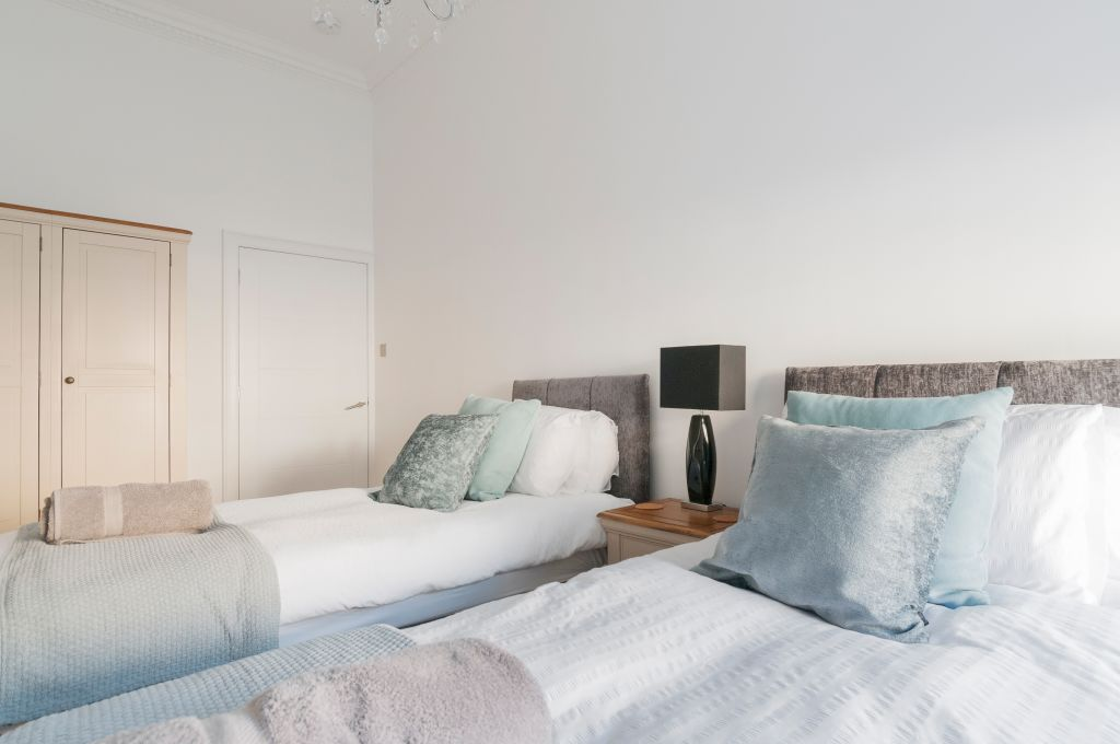image 9 furnished 3 bedroom Apartment for rent in City Centre, Manchester