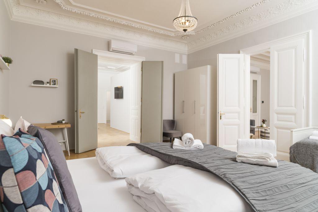 image 1 furnished 3 bedroom Apartment for rent in Wieden, Vienna