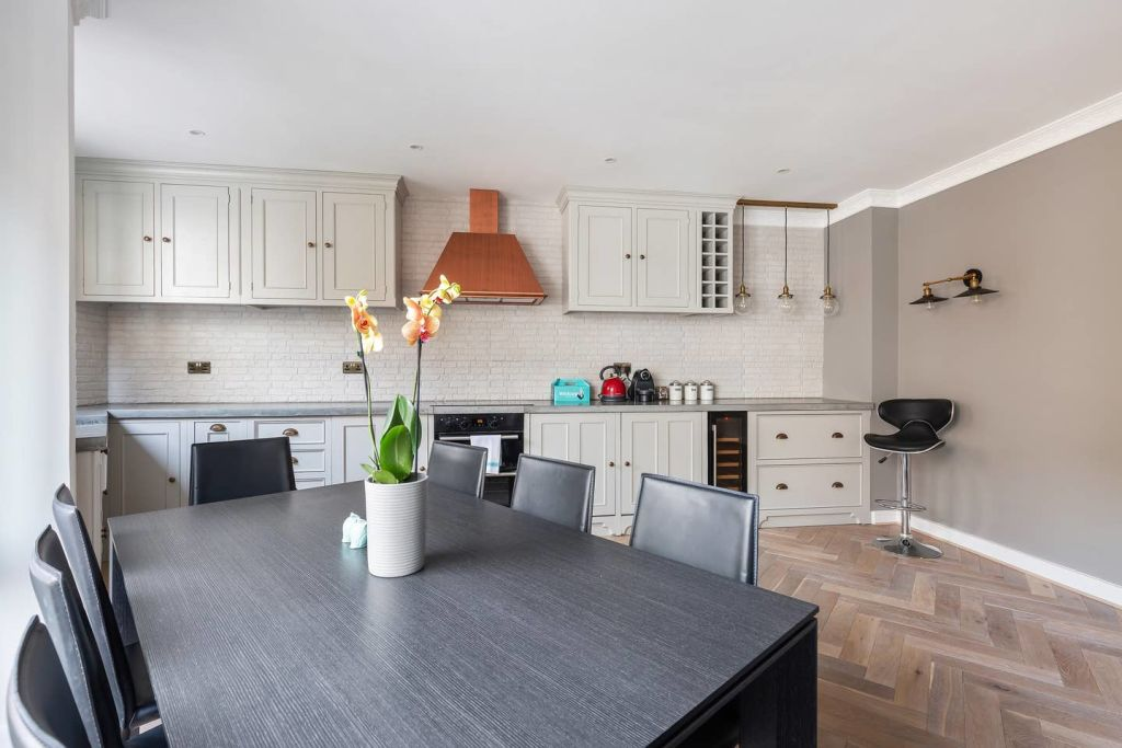 image 4 furnished 2 bedroom Apartment for rent in Spitalfields, Tower Hamlets