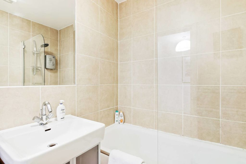 image 10 furnished 1 bedroom Apartment for rent in Stratford, Newham