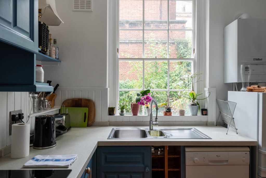 image 2 furnished 2 bedroom Apartment for rent in Kings Cross, Camden